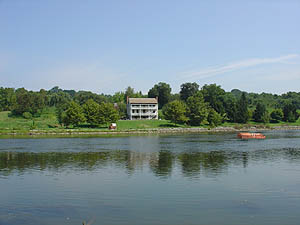 From Across The River :: Kingsport Tennessee Netherland Inn