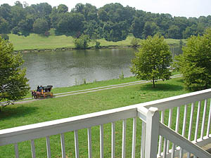 Looking From The Porch :: Kingsport Tennessee Netherland Inn